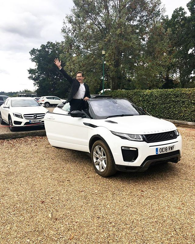 My mood when I ticked off my dream list!  @virginexperiencedays @rangerover.world @landrover_uk • • • • #ervindambergs #virginexperiencedays #teenblogger #fashion #boyblogger #teenblogger