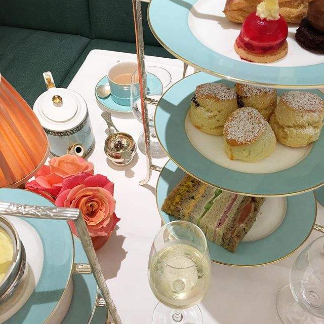 Time for tea (again!) 3 plates of sandwiches, 4 scones and 6 cakes later, I think we've wiped them out 🥂🍰 @poppy_monks  @fortnums #virginexperiencedays