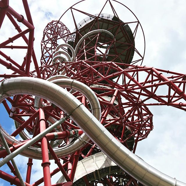 31 seconds up in the lift, 35 seconds at 15mph to come down in the worlds longest and fastest helter-skelter @amorbit  #virginexperiencedays #slide #olympicpark #theorbit #easter #bankholiday #london