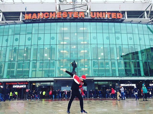 Today, my childhood dream came true at the Theatre of Dreams! #childhooddream #adreamcametrue #livingthedream #dadab #benscott #manchesterunited #ggmu #virginexperience #oldtrafford #reddevils #takbolehtahan #willneverforgetthismoment #bestmomentinlife #willbeback#3pointsinthebag #bpl #manchesterunitedvstottenham #dreamsdocometrue