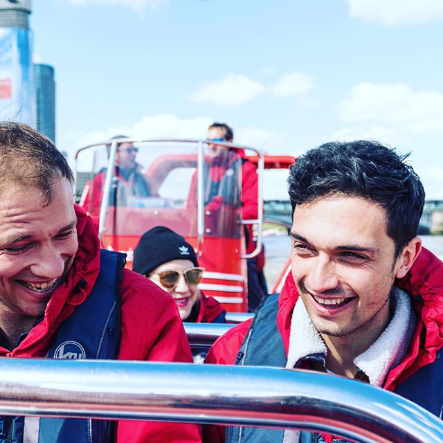 When your client @virginexperiencedays invites you to go experience @thamesrockets you don't say no. #agencylife #digitalmarketing #vedteam #virginexperience #london